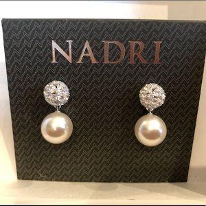 NADRI pierced earrings